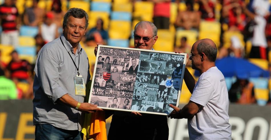 Homenagem ao goleiro Raul - 12/10/2014