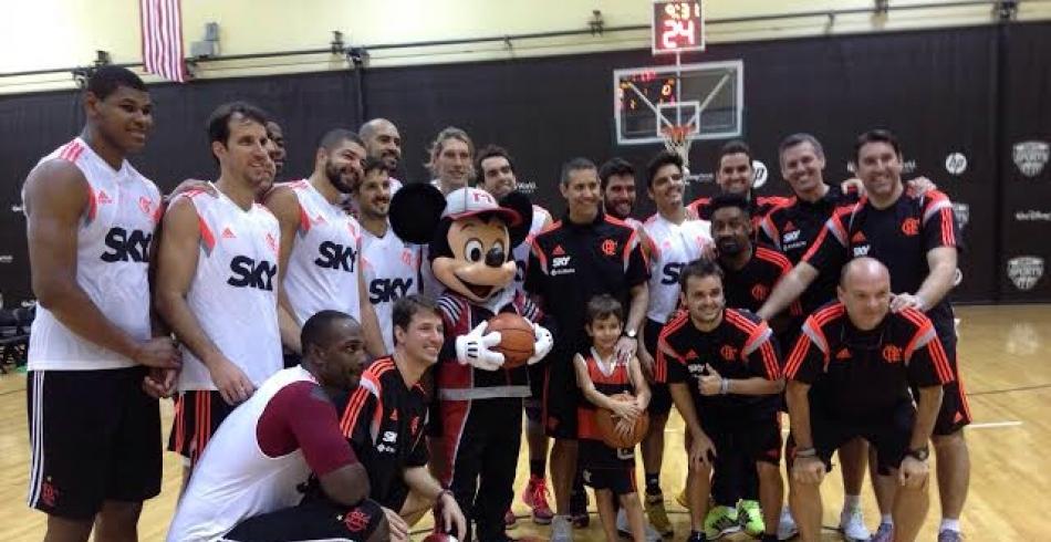 Treino do basquete rubro-negro em Orlando - 14/10/2014