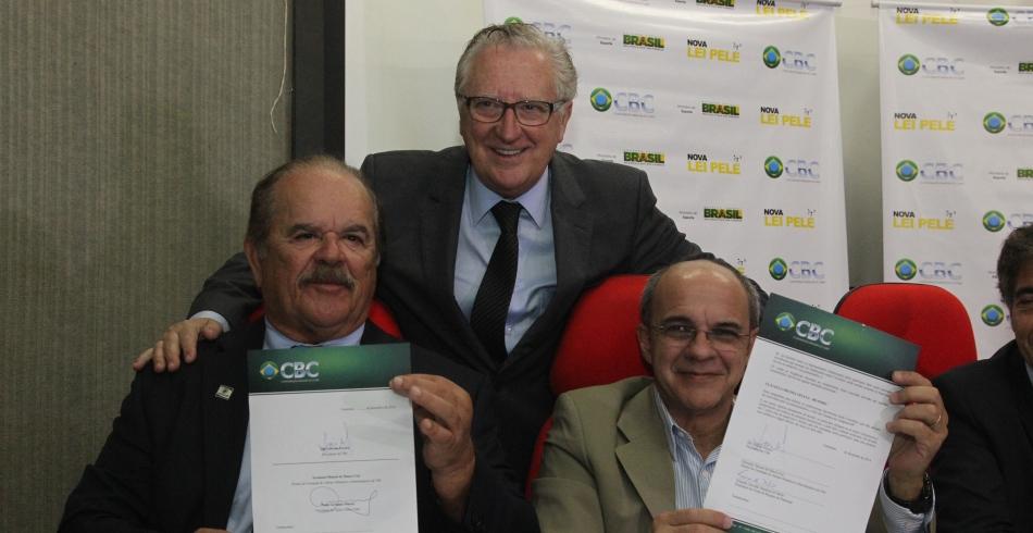 Assinatura oficial dos convênios com a CBC - 16/12/2014