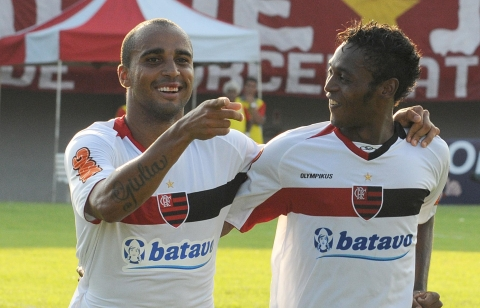 Flamengo vence a segunda partida no Estadual 2011